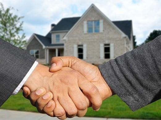 https://pixabay.com/en/purchase-home-house-purchase-3113198/